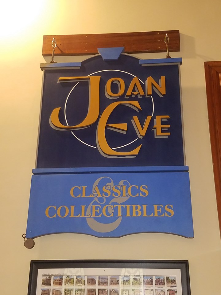 Joan Eve Sign